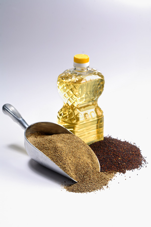 Oil-meal-and-seed=crush2