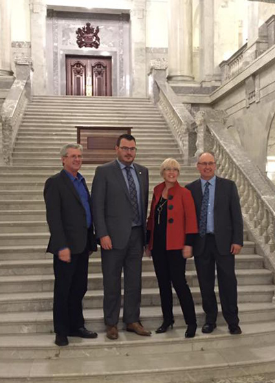 Mike Ammeter (Alberta Barley), Kevin Serfas (Alberta Canola), Allison Ammeter (Alberta Pulse) and Kevin Auch (Alberta Wheat) took the time during harvest to meet with the Provincial Government.